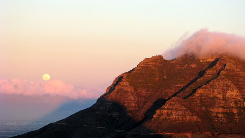 Full moon rising over Devil's Head, Cape Town, South Africa courtesy Alistair Potts at Flickr